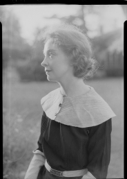 Nell Dorr (1893-1988); [Lillian Gish wearing collar with three buttons view 3]; nitrate negative; Amon Carter Museum of American Art; Fort Worth TX; P1990.47.3545