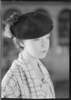 Nell Dorr (1893-1988); [Lillian Gish wearing hat with feather on back view 1]; nitrate negative; Amon Carter Museum of American Art; Fort Worth TX; P1990.47.3527