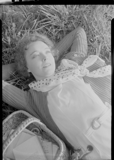 Nell Dorr (1893-1988); [Lillian Gish wearing polka dotted scarf view 10]; nitrate negative; Amon Carter Museum of American Art; Fort Worth TX; P1990.47.3542