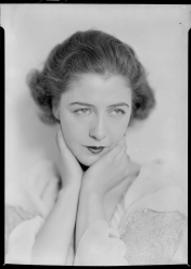 Nell Dorr (1893-1988); [Woman with hands at neck] [Dorothy Gish]; nitrate negative; Amon Carter Museum of American Art; Fort Worth TX; P1990.47.3547
