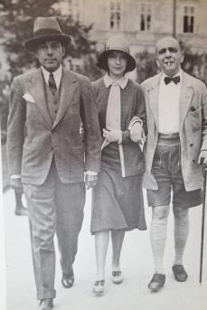 George Jean Nathan, Lillian Gish and Rudolph Kommer at Leopoldskron