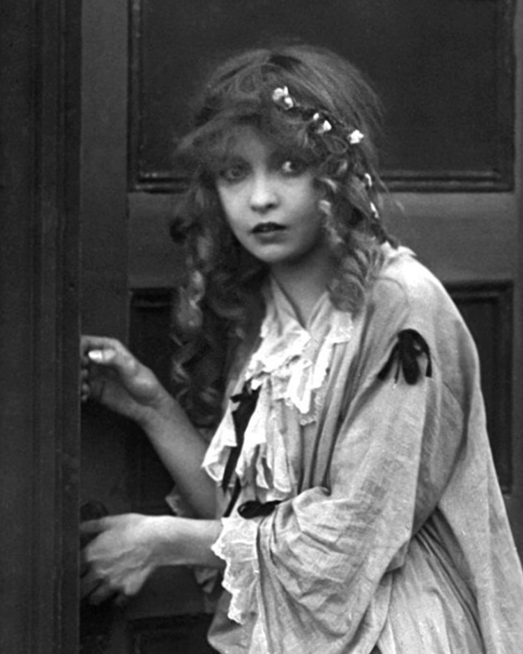 Lillian Gish as Elsie Stoneman (Birth of A Nation)