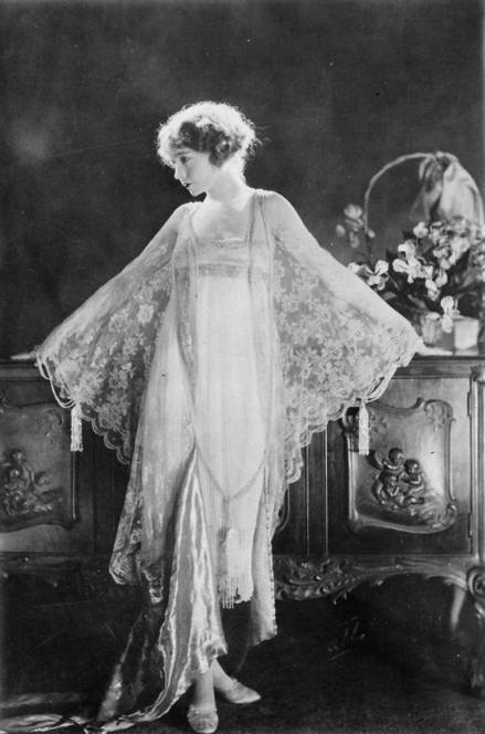 """Way Down East"" - Lillian Gish (Anna Moore's wedding dress)"