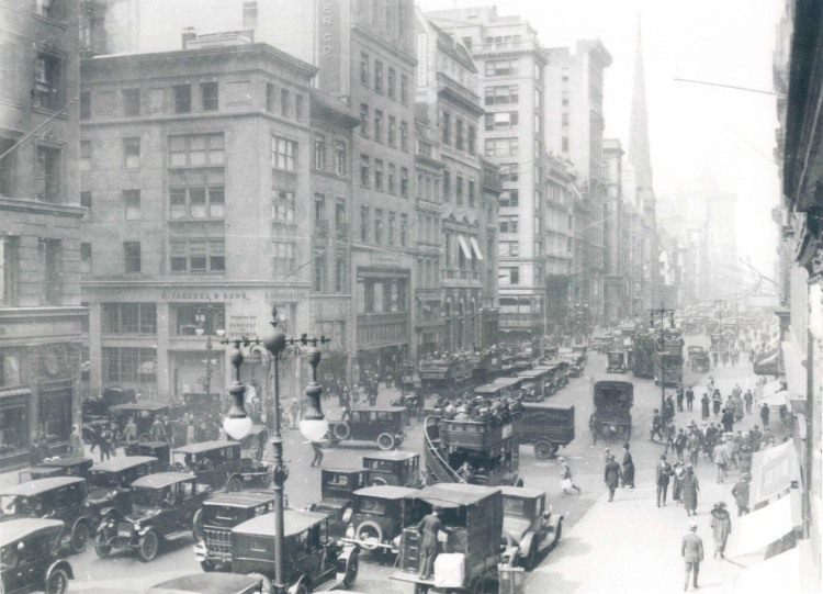 Fifth-Ave-north-from-42nd-st-1923